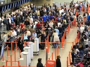 Atrasos afetaram 25,8% dos voos domésticos do país nesta segunda-feira