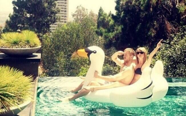 Calvin Harris escreveu a música Olé após suposta traição da então namorada Taylor Swift com o ator Tom Hiddleston