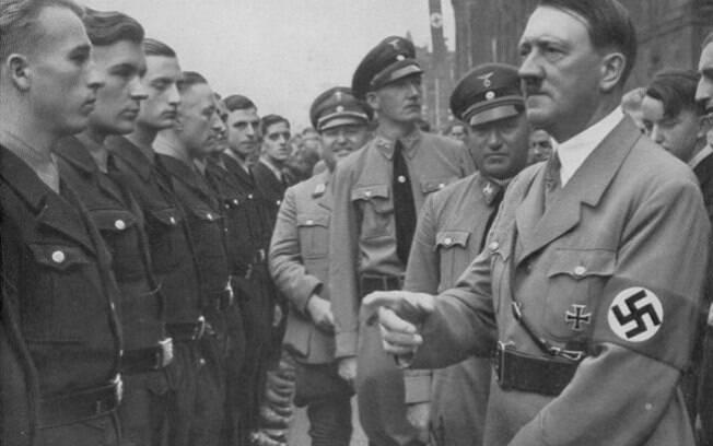 Apesar de relatórios afirmarem que Hitler foi incapaz de fazer bomba nuclear, ninguém pode explicar a explosão em 1944