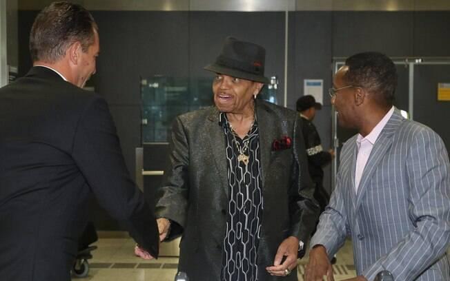 Joe Jackson desembarca em São Paulo. Foto: AgNews