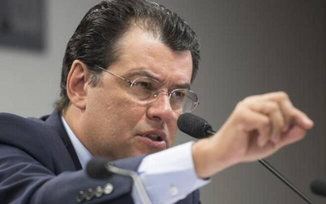 Eduardo Braga foi ministro de Minas e Energia de Dilma e entregou o cargo em abril deste ano