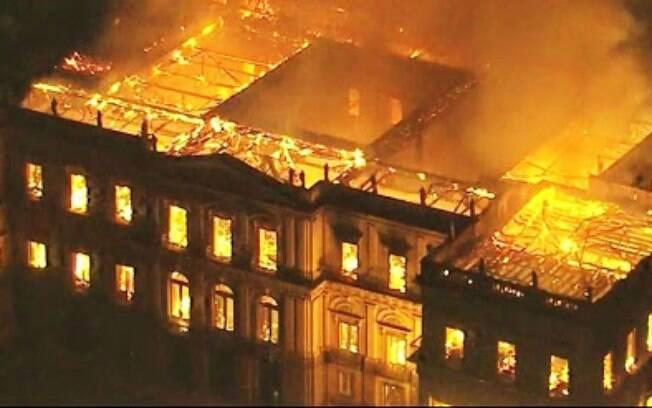 Responsabilidade do caso Museu Nacional cria batalha entre governo e UFRJ