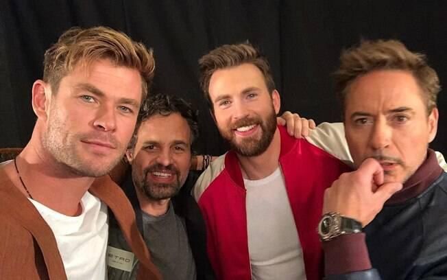 Chris Hemsworth fez uma brincadeira com os colegas de elenco de