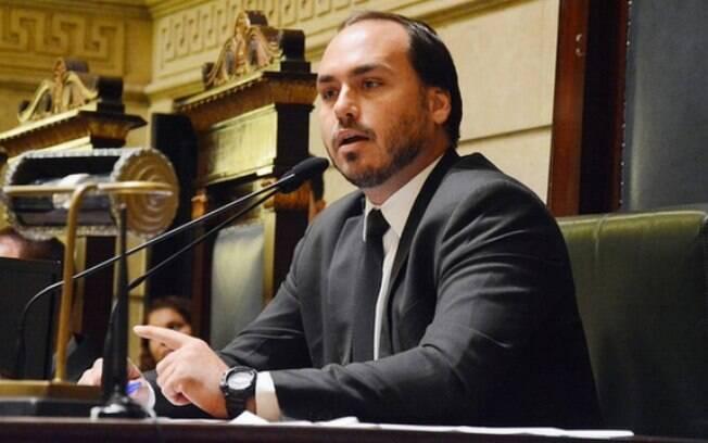 Carlos Bolsonaro, terceiro filho de Jair Bolsonaro, é vereador no Rio de Janeiro