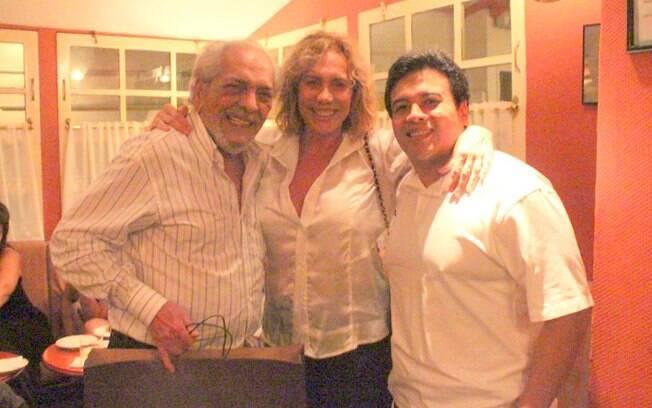 Arlete Salles foi prestigiar o amigo no jantar de comemoração nessa quarta-feira (14)