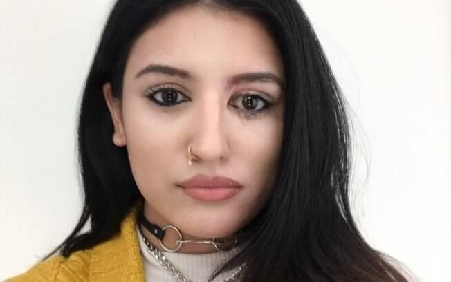 Resham Khanm foi atacada com ácido e teve queimaduras no rosto e ombros, mas conseguiu se recuperar após o caso