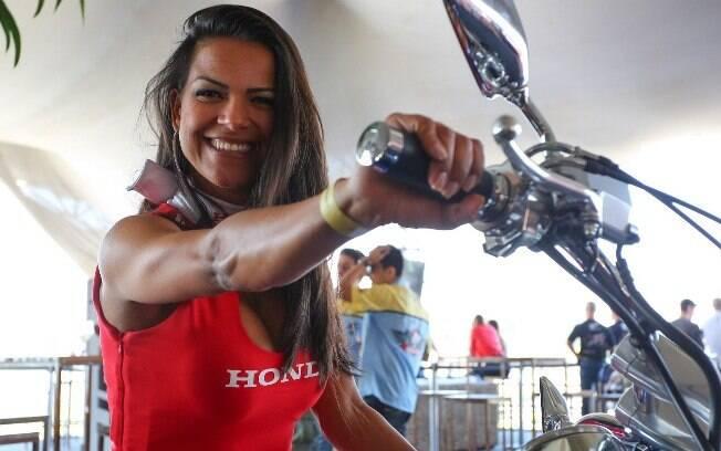 Grid girls do SuperBike Series Brasil  embelezaram o autódromo de Interlagos, em São  Paulo