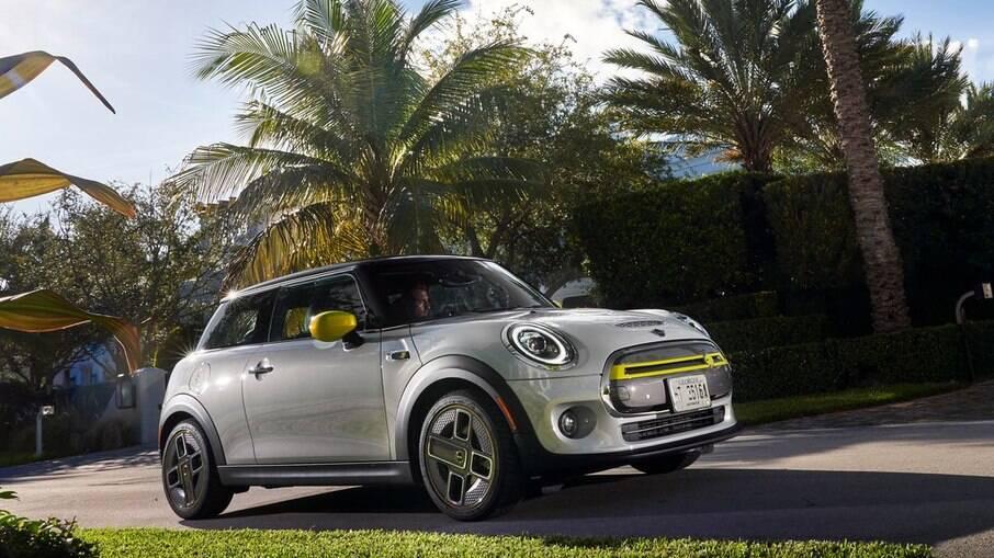 Mini Cooper SE é o primeiro de vários modelos 100% elétricos que estão previstos para o Brasil