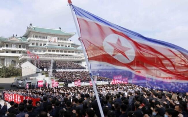 Um relatório sobre o sistema de justiça norte-coreano pede ao regime que reconheça as violações dos direitos humanos e acabe com a tortura
