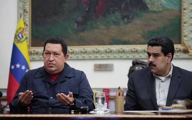 Chávez anuncia nova cirurgia contra câncer e indica Nicolás Maduro como seu sucessor em dezembro de 2012