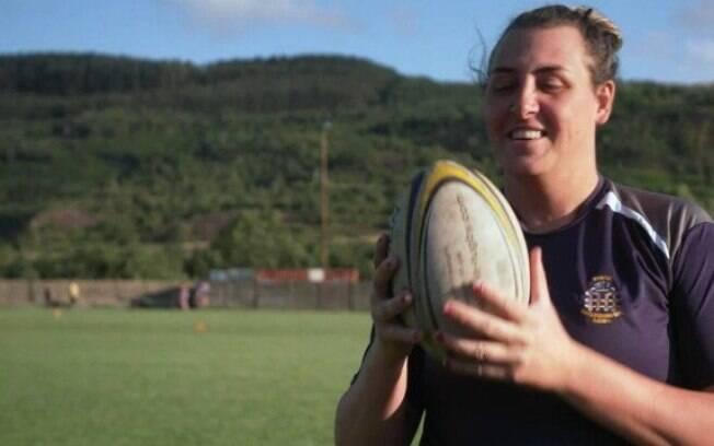Kelly Morgan, que nasceu Nicholas Gareth Morgan, joga rúgbi no Porth Harlequins, do País de Gales