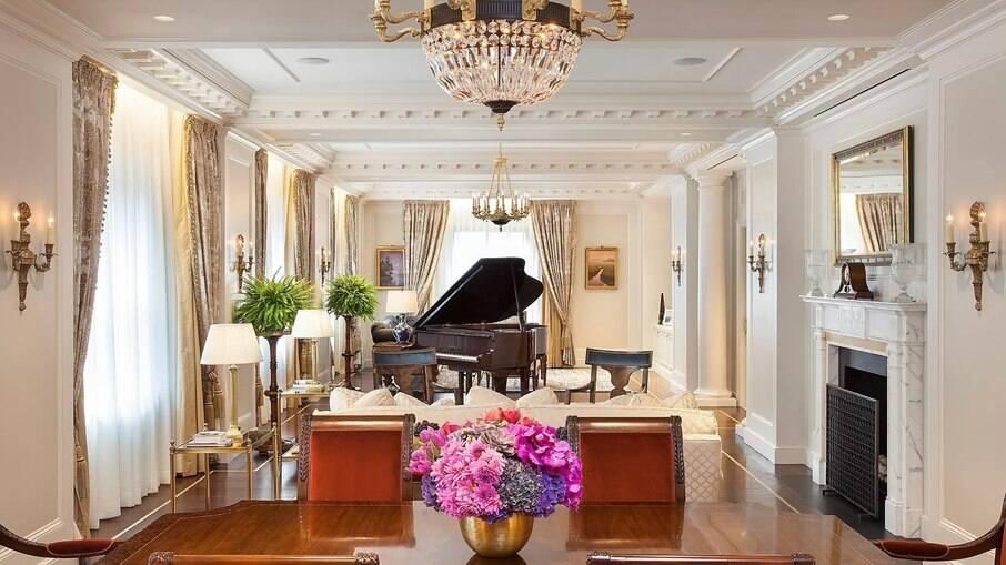 Intercontinental Barclay, hotel luxuoso onde Bolsonaro está hospedado em Nova York