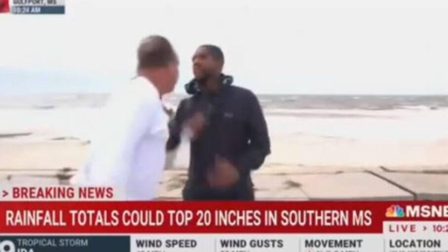 Durante cobertura do Furacão Ida, repórter é agredido e transmissão interrompida