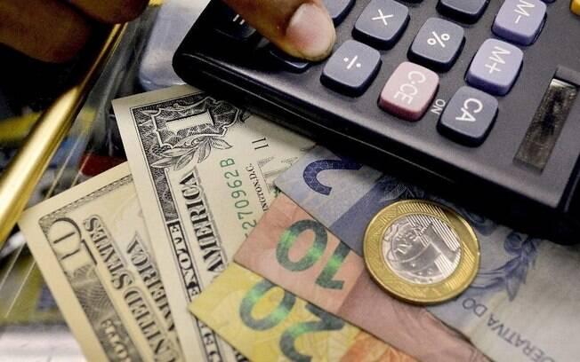 Presidente da associação diz que ainda é difícil sinalizar projeções para 2020 por causa da estabilidade do dólar