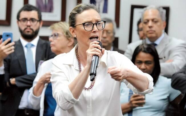 Em seu twitter, a deputada Maria do Rosário criticou as mudanças no Conanda que foram aprovadas por Bolsonaro.