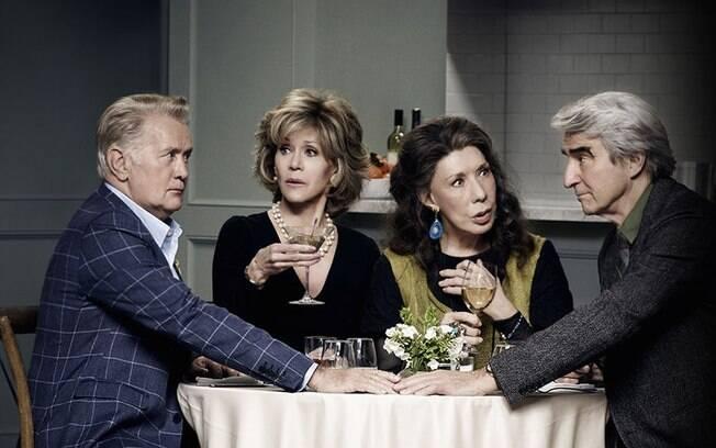 Série da Netflix 'Grace and Frankie' mostra o dia a dia de dois casais. Os maridos assumem uma relação homossexual, enquanto as ex-mulheres vão morar na mesma casa