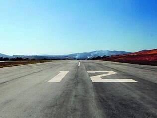 Autorização. O aeroporto de Cláudio não tem autorização da Anac para funcionamento, uma vez que a documentação não foi homologada