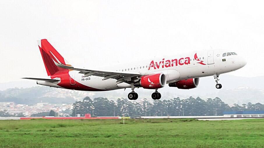 Empresa de passagens não teria avisado passageiros sobre possibilidade de cancelamento de voos da Avianca Brasil