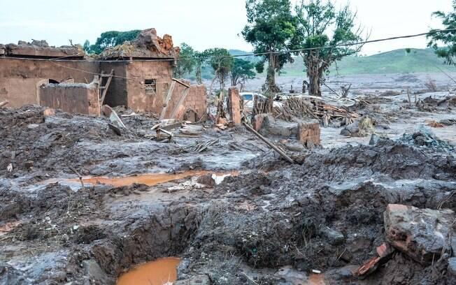 Bairro afetado por lama da Samarco