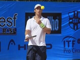 André Ghem nasceu em Porto Alegre e atualmente é o 226º colocado no ranking da ATP