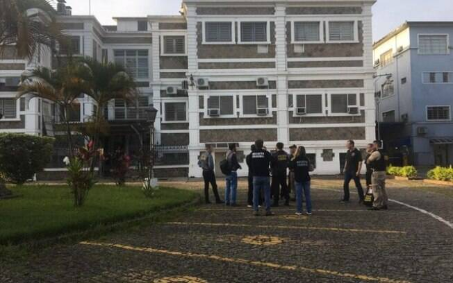 Sede da Condesp é visitada por agentes da Polícia Federal durante operação policial contra fraudes no Porto de Santos