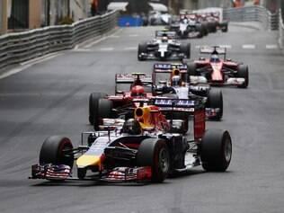 A melhor performance da Red Bull na temporada tem sido do novato Ricciardo, que tem 54 pontos e está em  quarto lugar no campeonato