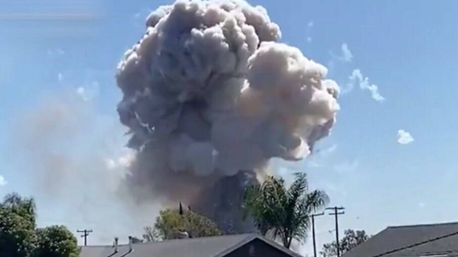 A explosão ocorreu em um bairro residencial na Califórnia