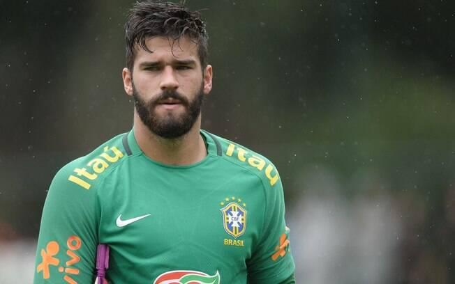 Goleiro Alisson não é inegociável para a Roma, diz diretor do clube italiano, que não confirma nenhuma proposta