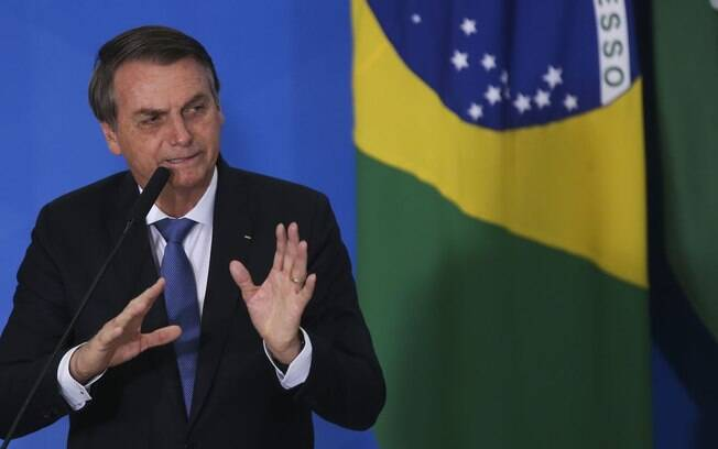 Presidente Jair Bolsonaro ainda não distribuiu cargos prometidos ao centrão