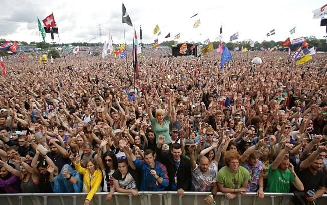 O festival britânico Glastonbury é uma das maiores reuniões anuais de fãs de música de todo o mundo