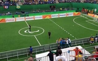 De virada, Brasil estreia com suada vitória no futebol de 5