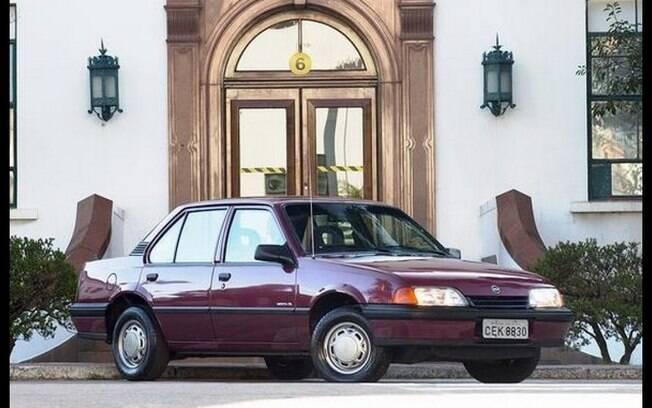 Chevrolet Monza  chegou a ser campeão de vendas no Brasil nos anos 80, feito inédito para um sedã médio no País