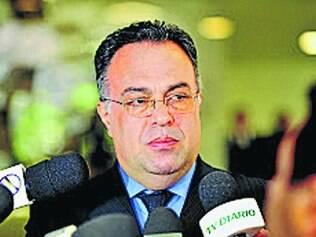 Suspeitas. O deputado André Vargas é suspeito de envolvimento com o doleiro Alberto Youssef