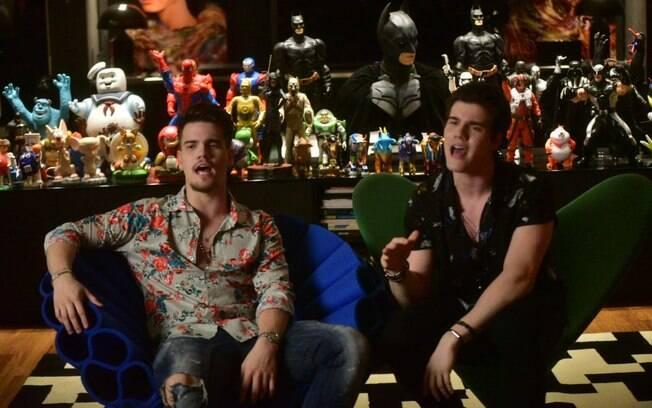 Breno e Caio Cesar gravam clipe da música