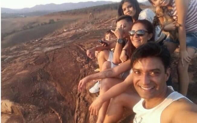 Luciano Rocha ao lado da família