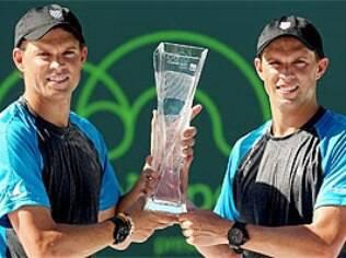 Bob e Mike Bryan já conquistaram 106 títulos juntos