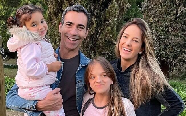 Ticiane Pinheiro compartilha fotos de domingo em família