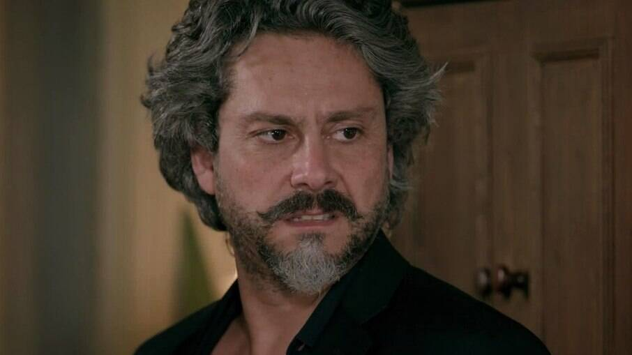 José Alfredo desmascara Fabrício