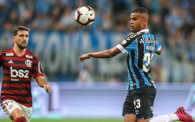 Alisson fez pedido para Éverton Ribeiro