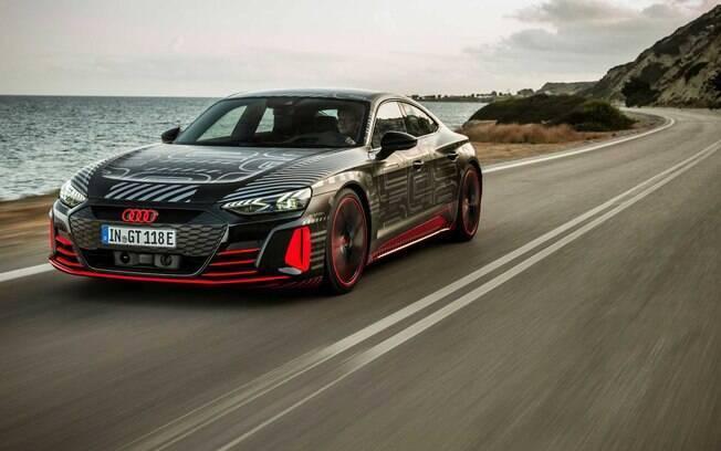 Audi RS e-tron GT: o anti-Tesla alemão aposta em estilo arrojado e desempenho de carro de corrida