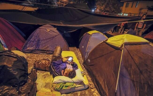 Juiz fixou multa de R$ 500 mil diários caso acampamento de apoiadores de Lula não seja desmontado em Curitiba