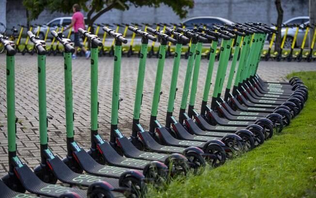 Novas regras para o uso dos patinetes elétricos em SP começaram a valer nesta quarta