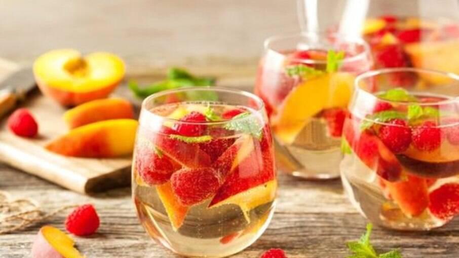 Use a fruta de sua preferência e mande bem no drink