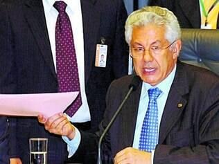 Chinaglia deverá ser o nome do PT na disputa pela presidência da Casa