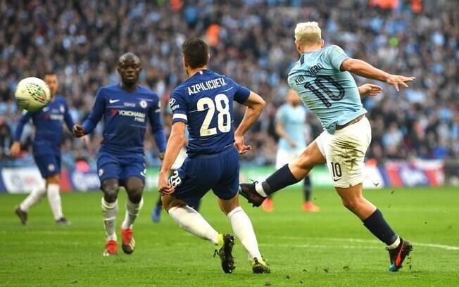 Agüero em ação pelo Manchester City contra o Chelsea