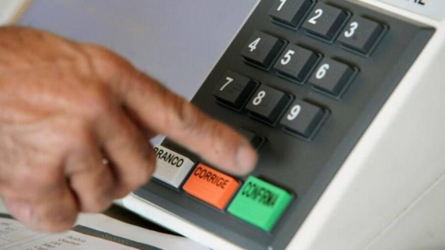 Não há evidência de fraude e urna eletrônica é segura, diz PF