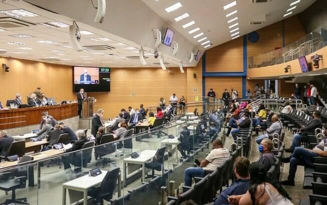 Câmara vota obrigatoriedade da Saúde divulgar lista sobre plantões médicos