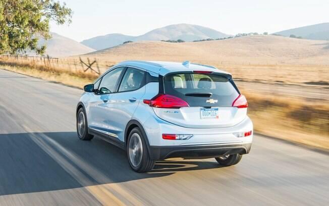 Bom desempenho é um dos pontos que mais surpreendem ao volante do elétrico Chevrolet Bolt