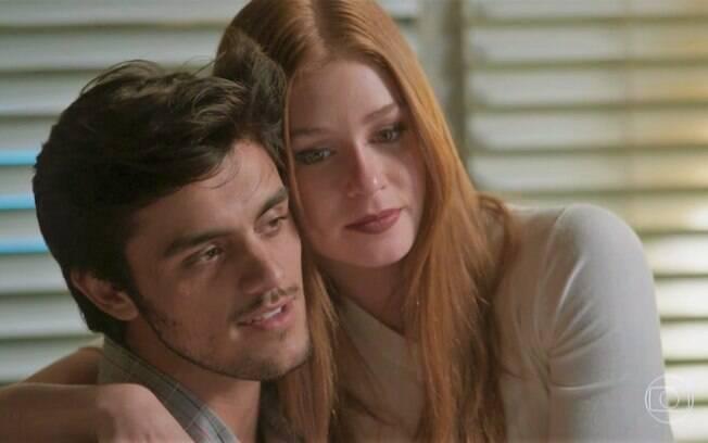Eliza aceita ir para Paris com Arthur e convida Jonatas, em