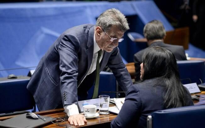 Ex-ministro de Temer e presidente nacional do PMDB, Romero Jucá é alvo de investigações na Lava Jato e na Zelotes